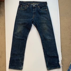 VTG Levi's 501 buttonfly Jean w nice medium fade